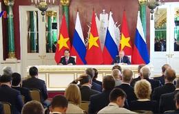 Chủ tịch nước Trần Đại Quang và Tổng thống V. Putin gặp gỡ báo chí