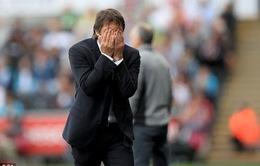 """HLV Conte nộp phạt 8.000 bảng, bị ghi vào """"sổ đen"""""""