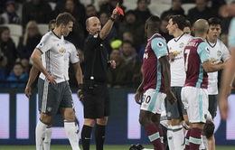 """""""Cầu thủ 12"""" của Man Utd nhận kỷ luật nặng vì """"còi méo"""""""