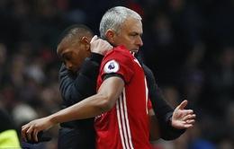 Kém vui vì Sanchez, sao Man Utd tìm cách ra đi