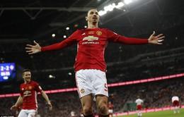 """""""Vua"""" Eric Cantona nức nở khen Ibrahimovic... giống mình"""