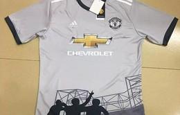Lộ áo đấu mùa giải mới của Man Utd in hình 3 Quỷ đỏ vĩ đại