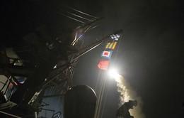 Mỹ bất ngờ bắn hàng chục quả tên lửa vào Syria, khẳng định thông báo cho Nga trước khi tấn công
