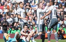 Burnley 0-2 MU: Martial, Rooney lập công, MU sắp đuổi kịp Man City