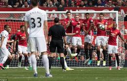 """Tham gia phòng ngự kiểu... """"loăng quăng"""", Ander Herrera trở thành nguyên nhân khiến Man Utd mất điểm"""