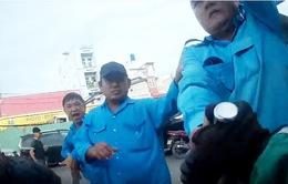 TP.HCM: Nhóm thanh niên hành hung tài xế ô tô sau khi gây tai nạn
