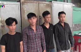 TP.HCM: Bắt băng nhóm đánh người cướp xe SH
