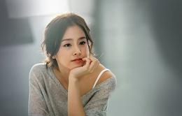 Kim Tae Hee đẹp không tì vết trong bộ ảnh mới