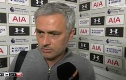 Thua trận trước Tottenham, Mourinho than vãn rồi… bỏ dở họp báo