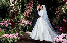 Miranda Kerr công khai ảnh cưới với chồng tỷ phú