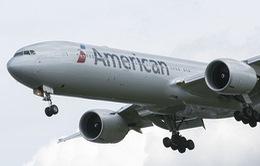 Máy bay American Airlines rơi vào vùng nhiễu loạn khí, 10 người bị thương