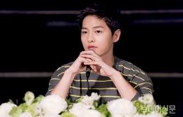 Fan làm việc thiện khiến Song Joong Ki nở mày nở mặt