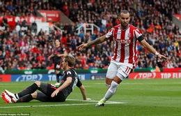 """Stoke City 1-0 Arsenal: """"Gà"""" Real hạ gục Pháo thủ"""