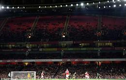 """Bán vé giá rẻ, Arsenal vẫn lập kỷ lục... """"ế"""" chưa từng có trong lịch sử"""