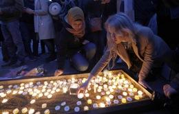 Anh tưởng niệm nạn nhân vụ khủng bố ở London