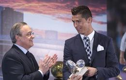 Chủ tịch Perez: Ronaldo đang tức giận nhưng sẽ ở lại Real