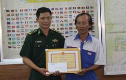 Biên phòng Đà Nẵng khen thưởng ngư dân vì thành tích cứu nạn