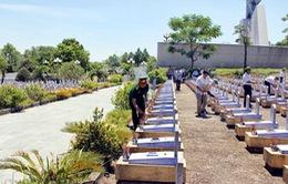 Đoàn Văn phòng Quốc hội viếng nghĩa trang liệt sỹ Trường Sơn và Đường 9