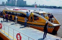 Hành khách đi bus đường sông chủ yếu để du lịch dạo