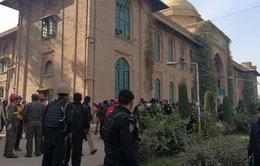 Taliban giả dạng phụ nữ tấn công trường đại học ở Pakistan