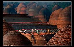 Độc đáo nghề làm gạch gốm không men ở Vĩnh Long