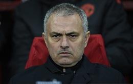 Chelsea chần chừ bán người, Mourinho lớn tiếng đe dọa