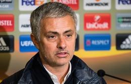 Mourinho: Đi toilet cũng khiến cầu thủ Man Utd gãy chân