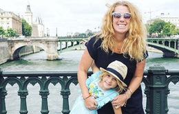 Bà mẹ bỏ việc, đưa con gái 6 tuổi đi du lịch vòng quanh thế giới