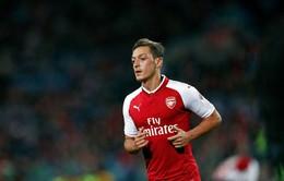 Cạn tình, Ozil quyết nói không với Arsenal để về Man Utd vào mùa hè 2018