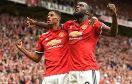"""Fan Man Utd điên tiết với """"tội đồ"""" Rashford vì... quên Lukaku"""