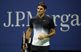 Roger Federer vừa chơi vừa lo tại US Open 2017