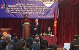 Chủ tịch nước gặp mặt cán bộ, nhân viên Đại sứ quán Việt Nam tại Nga