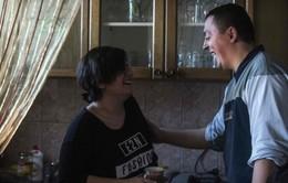 Chuyện tình bất ngờ của cô gái tị nạn Iraq và anh lính biên phòng Macedonia