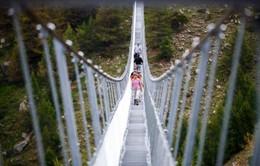 Khai trương cầu treo đi bộ dài nhất thế giới ở Thụy Sĩ