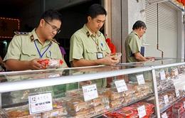 TP.HCM: 10/11 cơ sở bánh Trung thu vi phạm quy định