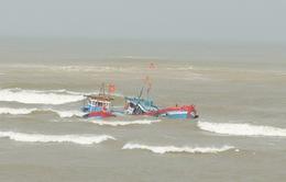 Nhiều tàu cá của ngư dân Bình Định liên tiếp gặp nạn