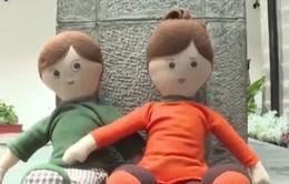 Ecuador sang chế đồ chơi giúp trẻ chống nạn xâm hại tình dục