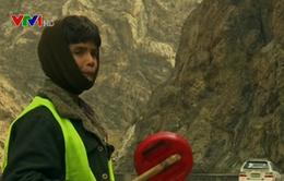 Chuyện những em nhỏ điều phối giao thông tại Afghanistan