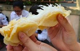 Điểm danh 5 món ăn vặt 'ngon nức nở' trên phố Tạ Quang Bửu