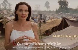Gạt bỏ nỗi buồn ly hôn, Angelina Jolie ra mắt phim mới