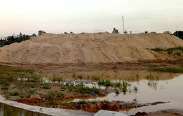 Phát hiện 17 điểm trữ cát trái phép ở Quảng Ngãi