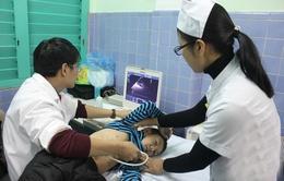 Khám sàng lọc bệnh tim bẩm sinh miễn phí cho trẻ em tại tỉnh Hòa Bình
