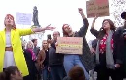 Pháp: Hàng trăm phụ nữ tuần hành chống quấy rối tình dục