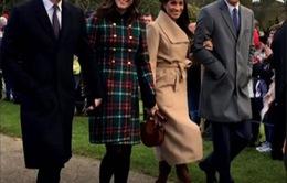 """Bức ảnh chụp gia đình Hoàng gia """"gây bão"""" trên mạng xã hội Twitter"""