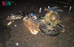 Áo mưa siết vào cổ khi đang đi xe máy, nạn nhân tử vong