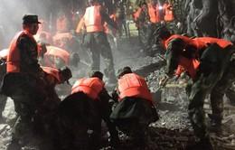 Trung Quốc khẩn trương cứu hộ nạn nhân vụ động đất