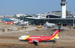 Đề xuất áp giá sàn vé máy bay: Nhiều tranh cãi!