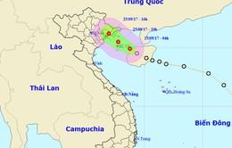 Áp thấp nhiệt đới vào bờ gây mưa dông mạnh cho Bắc Bộ và Bắc Trung Bộ