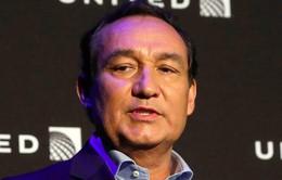 CEO United Airlines tuyên bố sẽ không từ chức sau bê bối