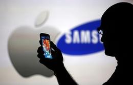 """Năm 2018, Apple sẽ """"sống tầm gửi"""" nhiều hơn vào Samsung"""